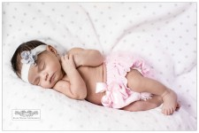 Newborn photographers near New York City