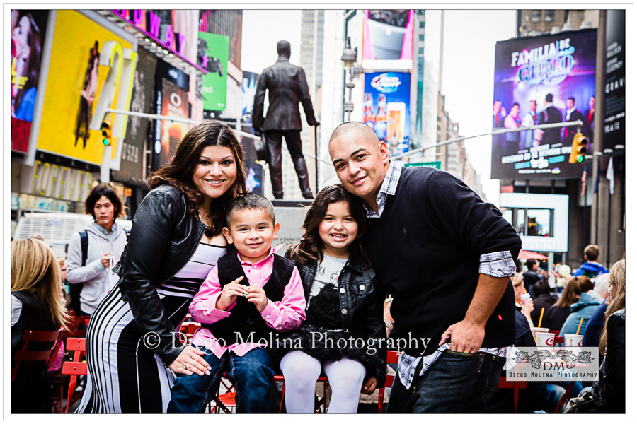 Ny nyc times square family photographer