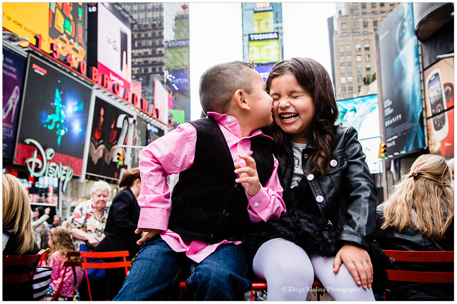 children_photographer_children_photography_holiday_cards_times_square