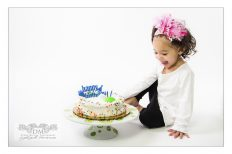 Cake Smashing Photo Shoot in NYC. New York City Children Photography