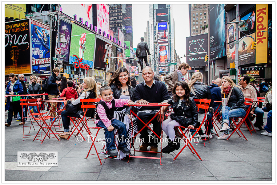 Family photographer session Times Square NYC